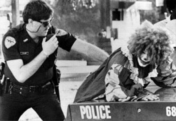 1269930357_funny_arrests_13.jpg