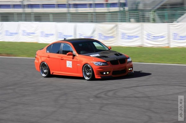 BMW E90 (Pumpkin Orange)