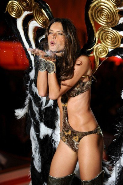 The Victoria's Secret Fashion Show (2010) 1080i HDTV