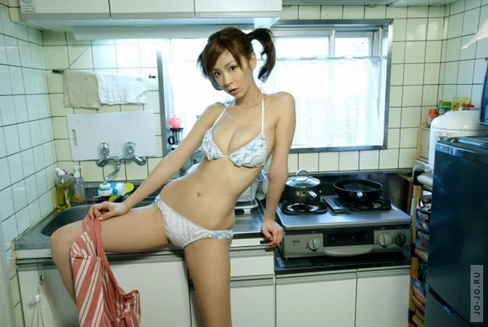Горячие домохозяйки показывают голые киски  498952