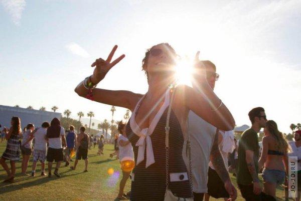 Music festival dating
