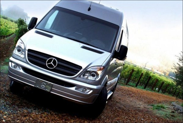 Салон в автомобиле Mercedes Benz Van