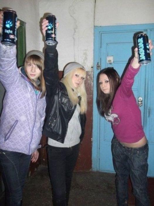 Молодежь немного выпила и понеслось