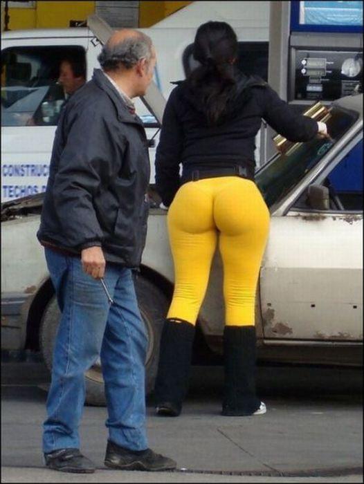 фото толстых баб в обтягивающих шортах