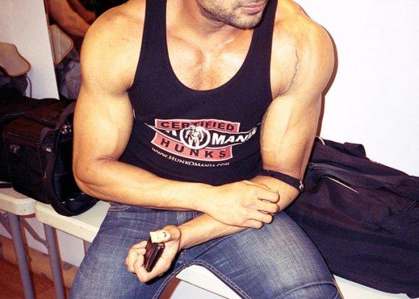 http://jo-jo.ru/uploads/posts/2012-07/thumbs/1341474350_male_strippers_12.jpg