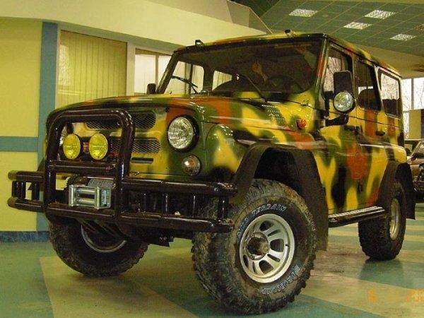 УАЗ-469 - легковой автомобиль повышенной проходимости, производимый на Ульяновском автомобильном заводе.