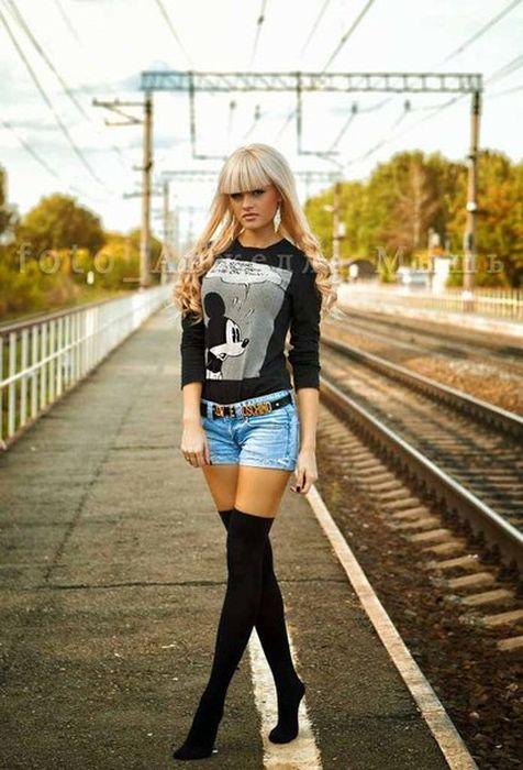 Фото девушек частное фото в одежде