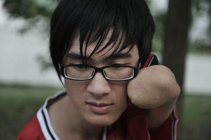 Сильный парень по имени Фан Линг