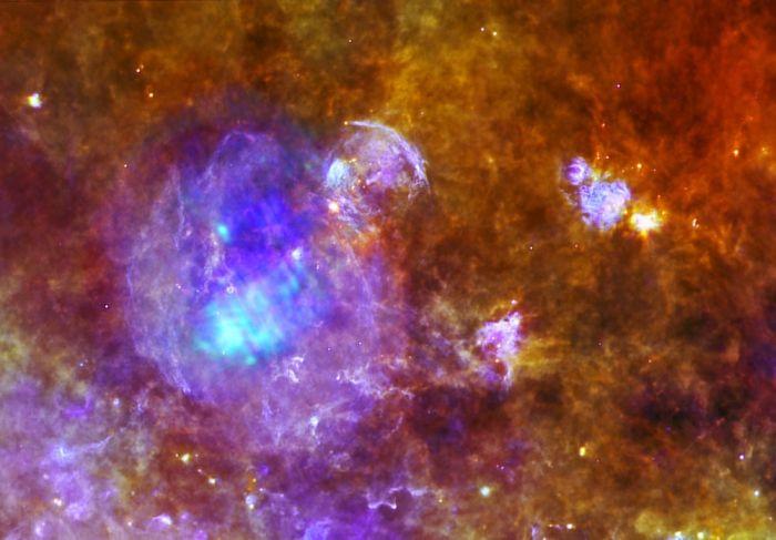 губы наложение эффектов космоса на фото артистическая