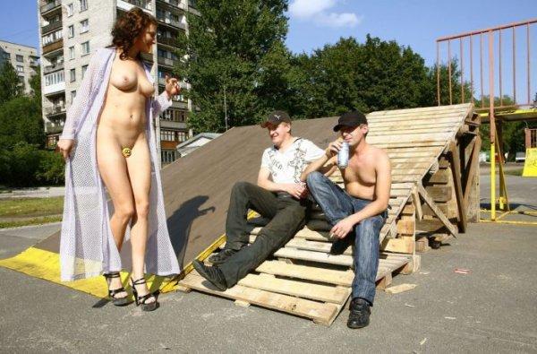Эротические фото русских девушек на улицах петербурга
