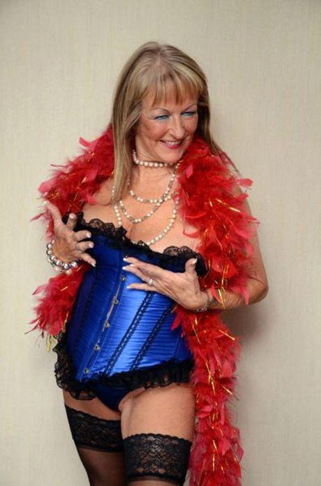 63-летняя проститутка обожает свою работу (13 фото) .