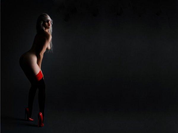 erotika-na-rozovom-fone