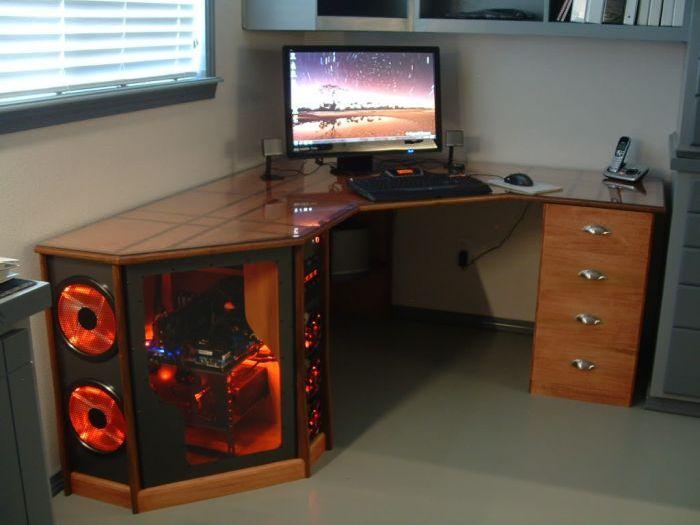 Компьютерный стол своими руками с фото