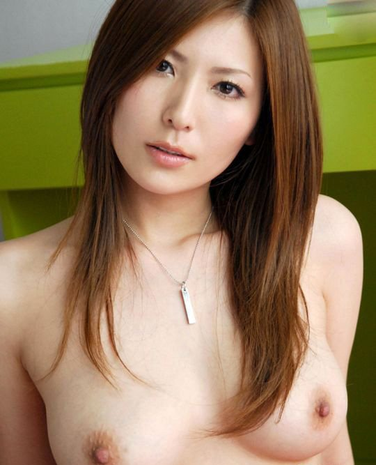 чего вдруг самые известные японские порноактрисы этого негра