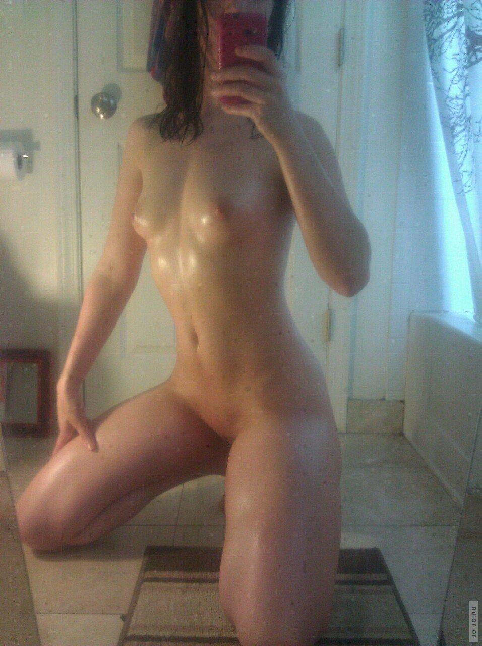 Фото голых девушек фоткающихся себя 22 фотография