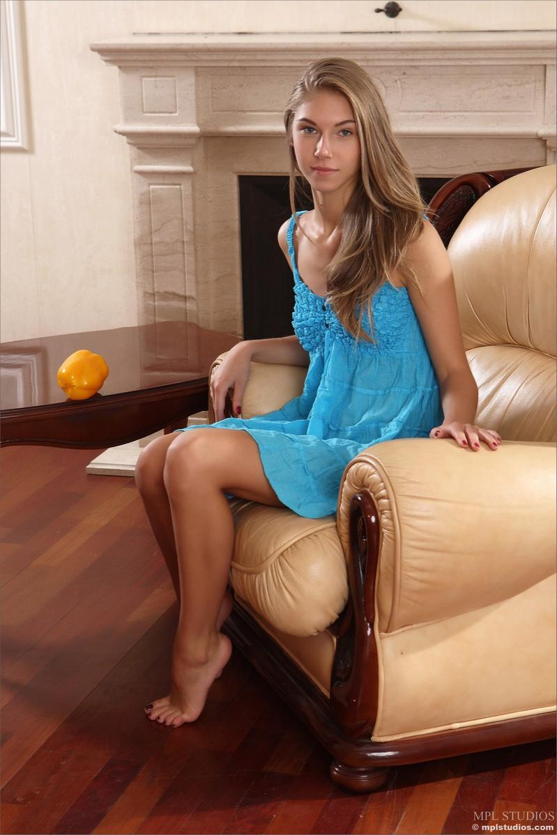Русская анжелика с подружками порно 20 фотография