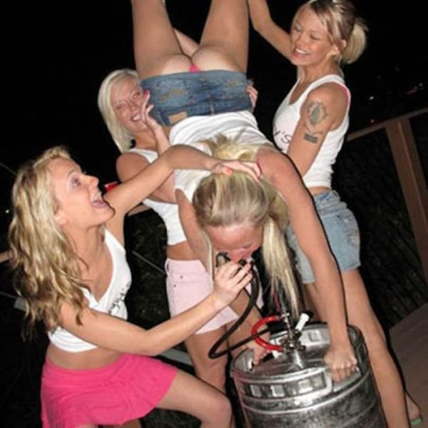 пьяные телки на вечеринках фото