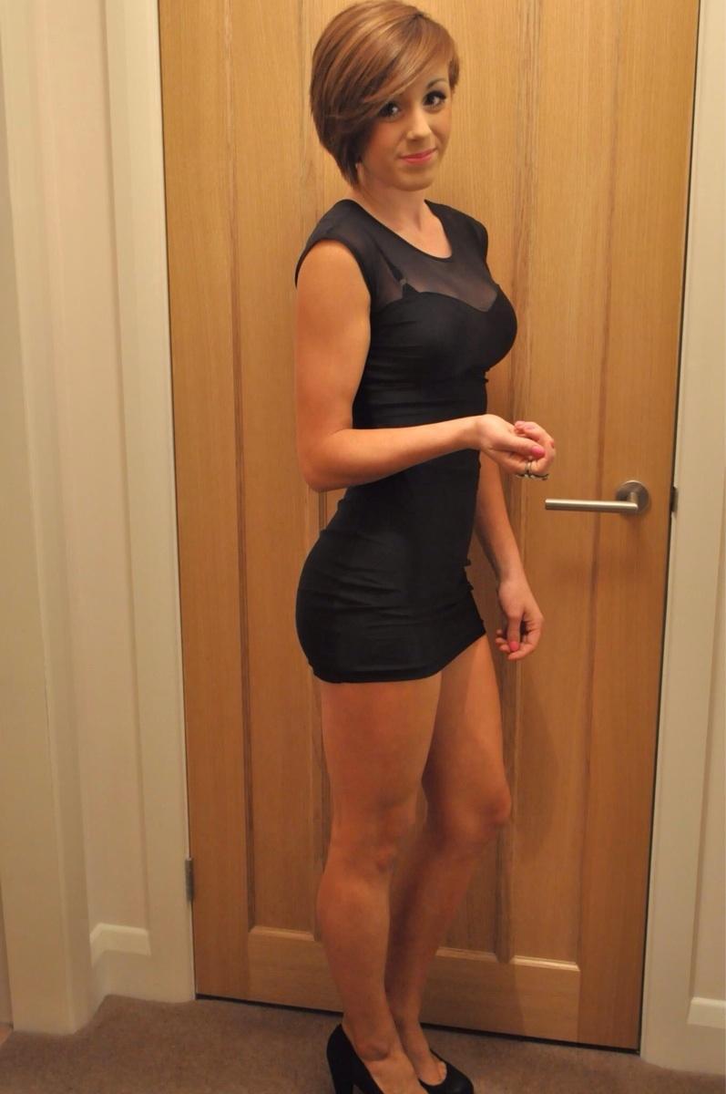 Чужая жена в обтягивающем платье 28 фотография