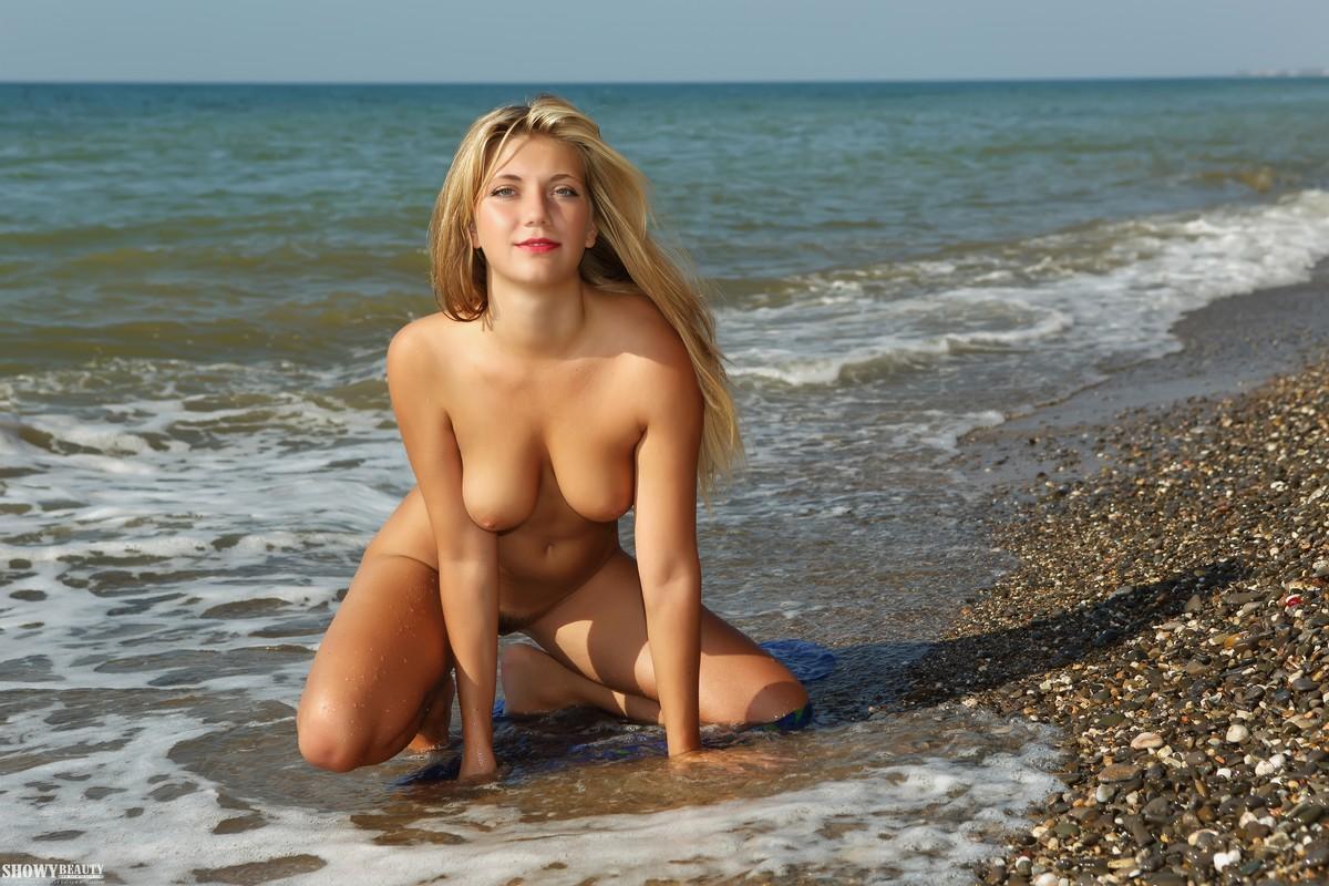 Голая девушка у моря видео — photo 2