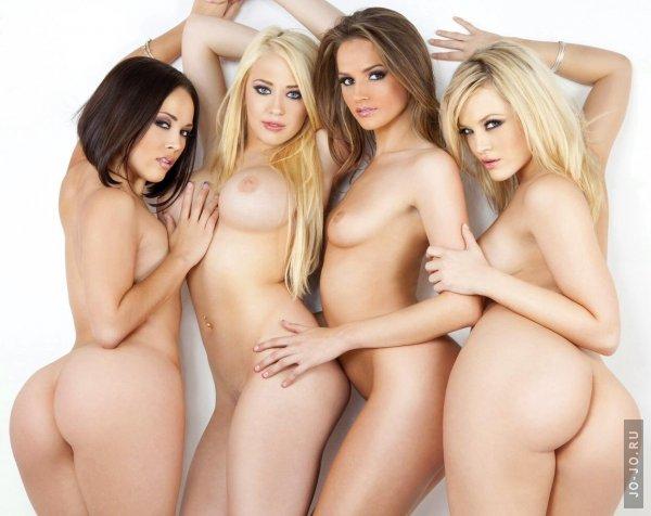 молодые горячие девушки