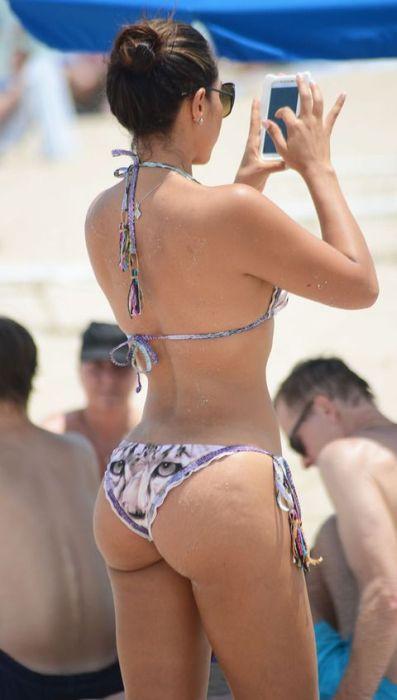 porno-v-sinem-bikini