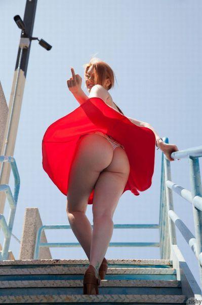 Фотоподборка под юбкой
