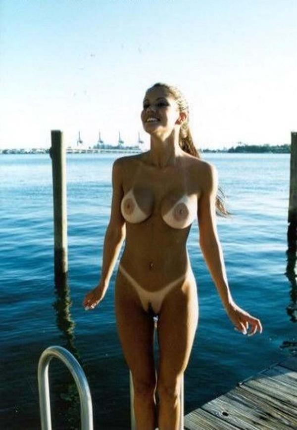 фото голые со следами от купальника