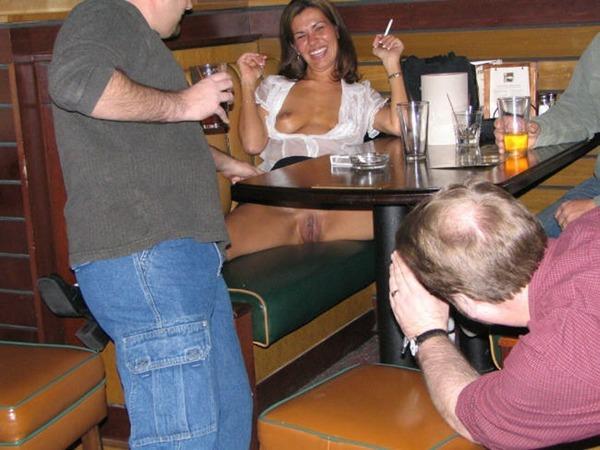 zasvet-pod-stolom
