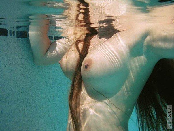 съёмки под водой голых девушек