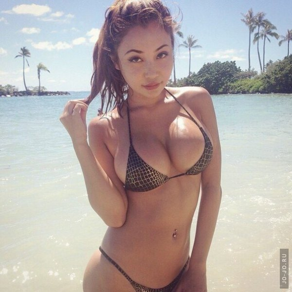 Short women with big breast
