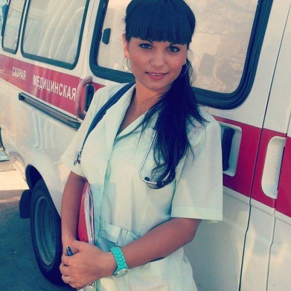 Фото голых девушекпривязали 2 врачихи т творят что хотят 9 фотография