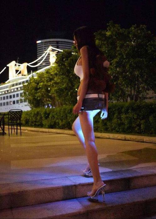 некоторых изобретательница мини юбки с подсветкой фото грибные