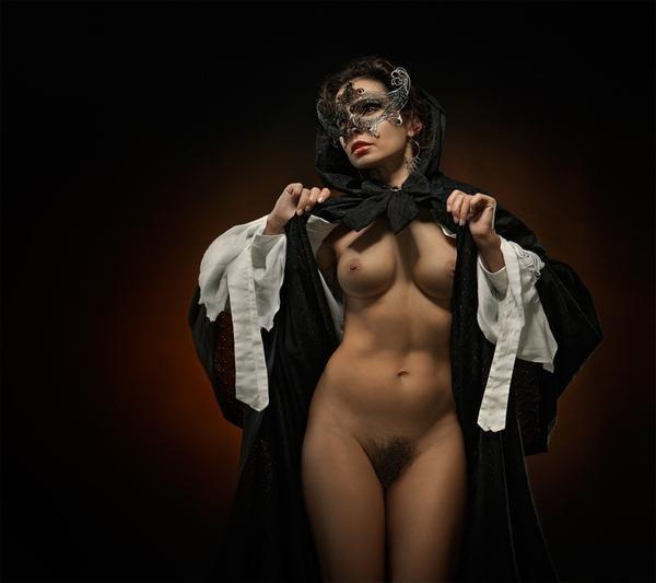 Фото голой девушек в маске
