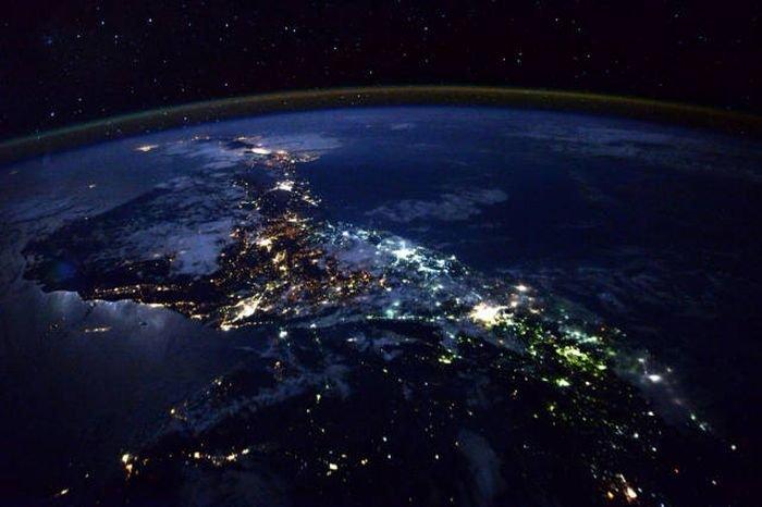 фото земли из космоса американским астронавтом привозить поддоны плиткой