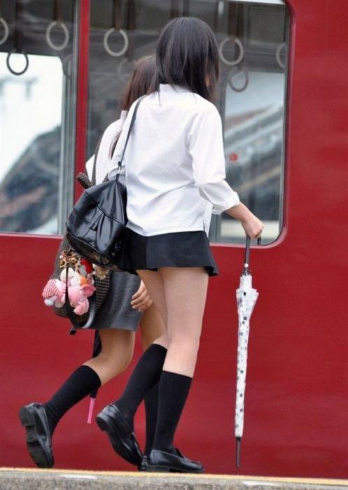 Секс фото японок в мини юбках
