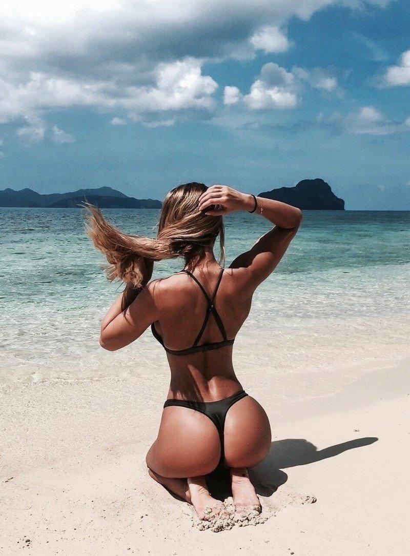Фото девушек со спины в бикини — pic 14