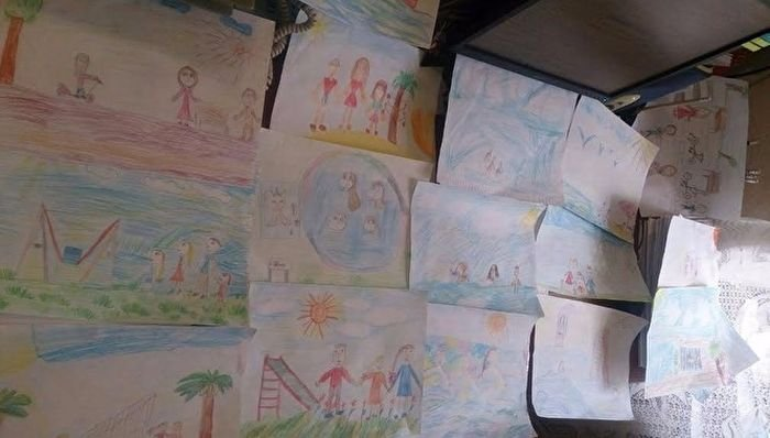 Рисунки 6-летнего мальчика помогли исправиться его матери (3 фото)