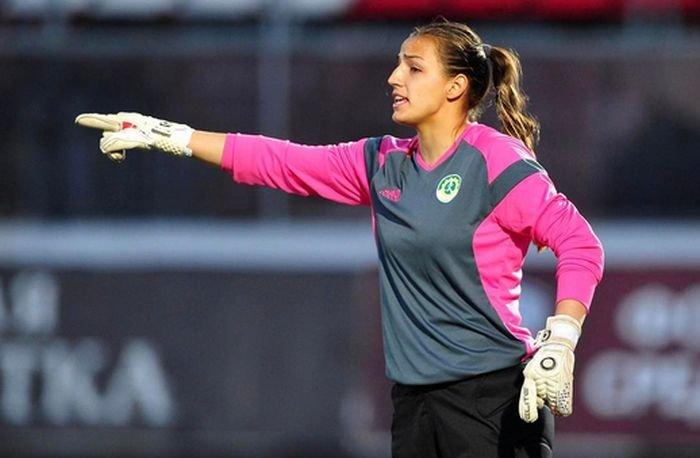 Татьяна Щербак - 19-летний вратарь женской сборной России по футболу (15 фото)