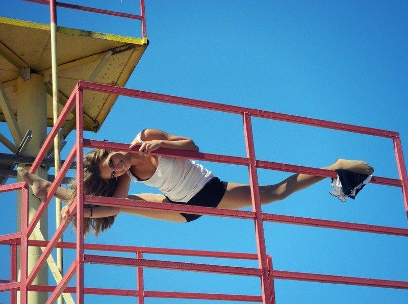 Спортивные девушки с хорошей растяжкой (40 фото)
