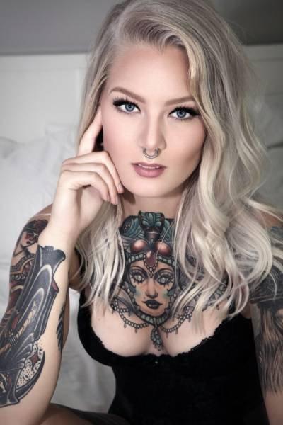 Татуировки на телах прекрасных девушек (31 фото)