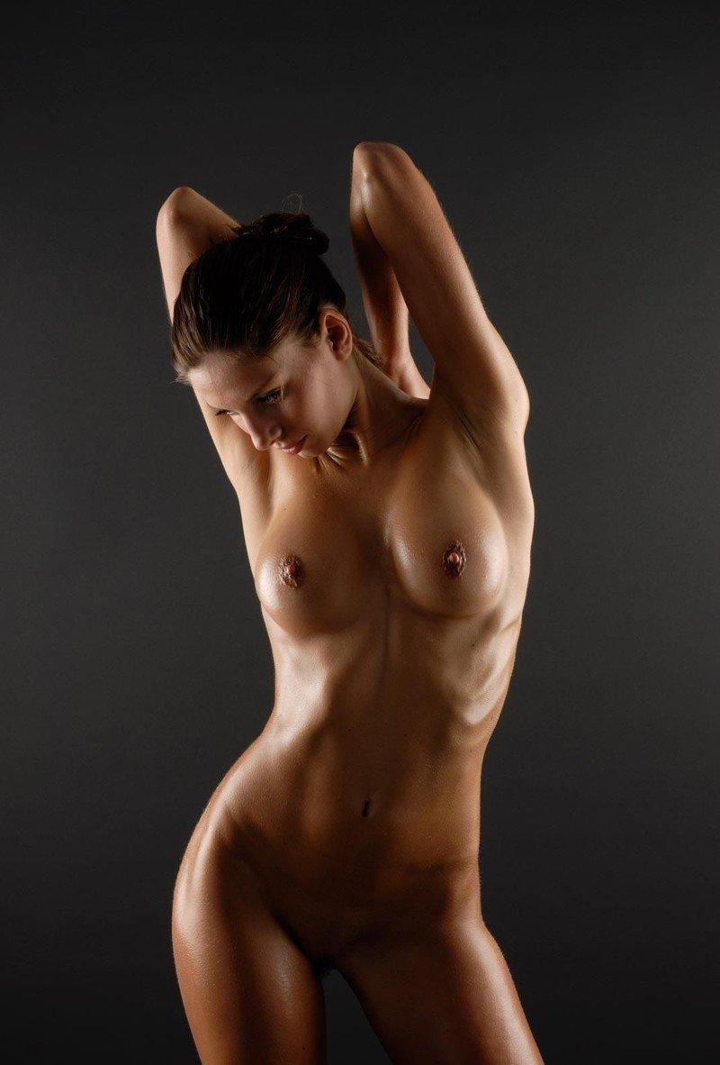приставить голое тело к фотографии или