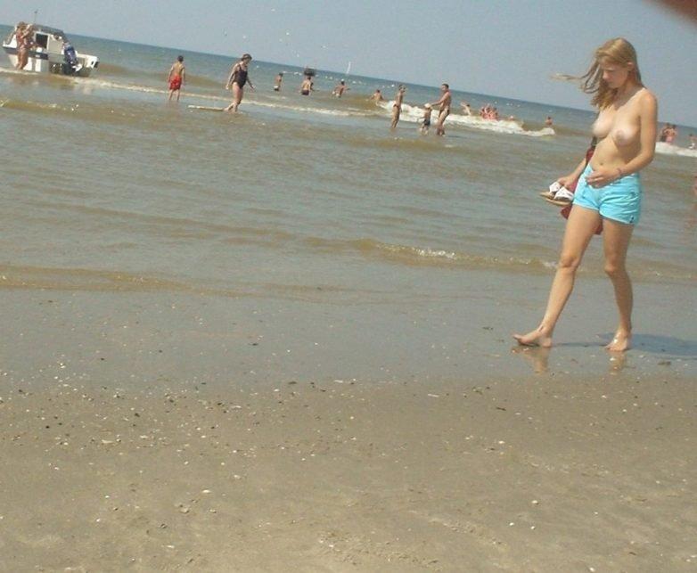 Нудистский пляж - лучшее место для отдыха!