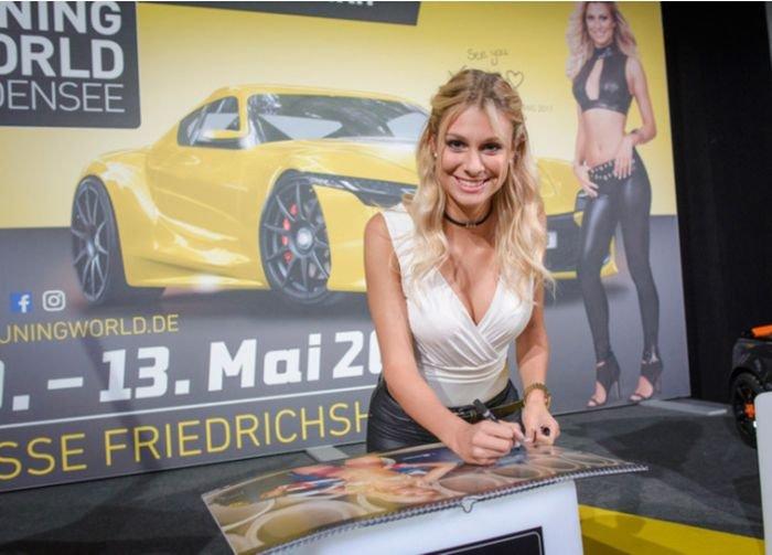Miss Tuning-2018 Ванесса Шмитт снялась для календаря (16 фото)