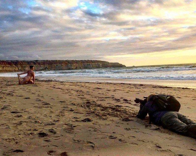 Голая йога в Австралии (14 фото)