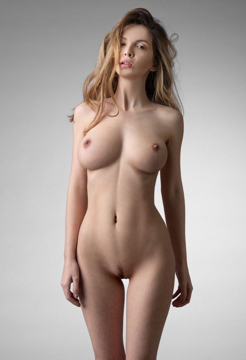 Полностью голая фото — pic 6