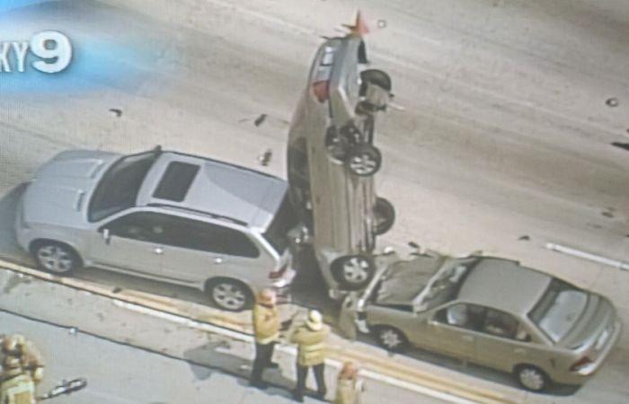 Аварии с неожиданными последствиями (40 фото)
