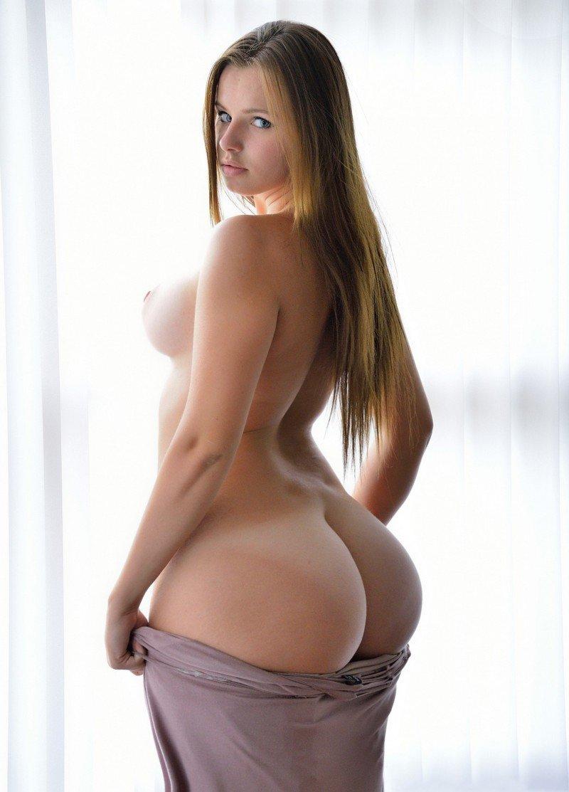 огромные груди грушевидной формы фото успели