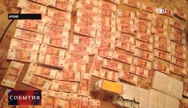 Богатства, найденные у известных коррупционеров (22 фото)