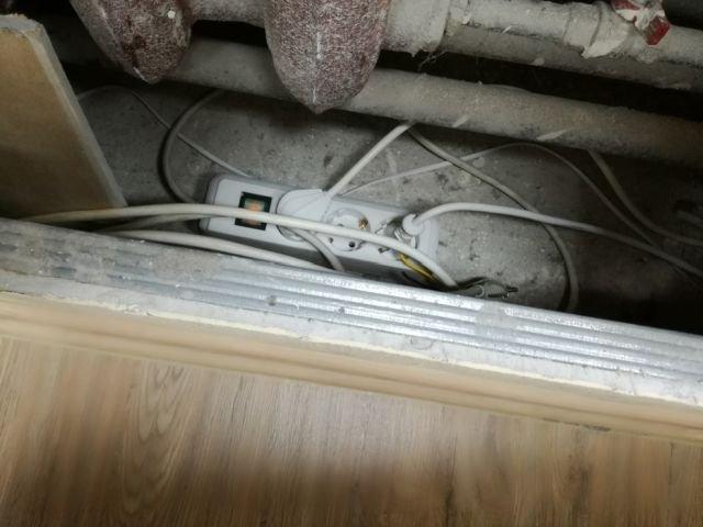 Когда за дело берется неквалифицированный электрик (3 фото)