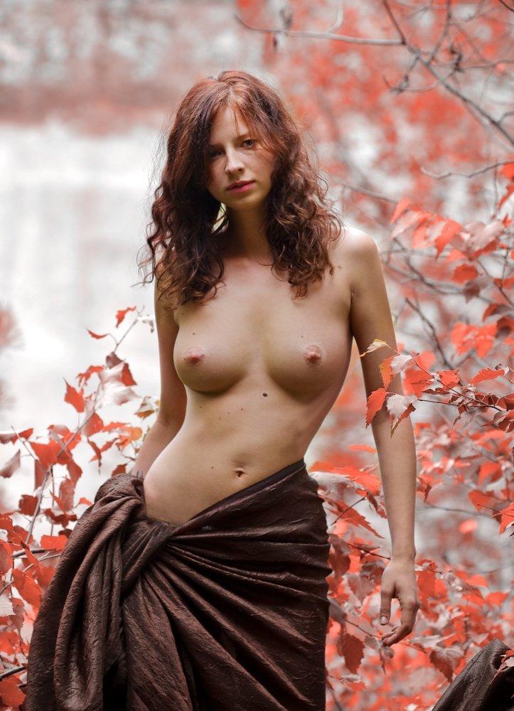 Осенние цвета эротические фото девушек